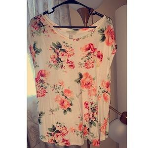 Tops - Floral T-shirt